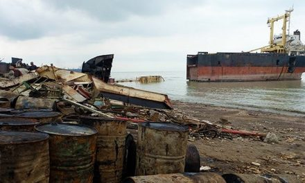 Bangladesh passes bill to improve working conditions in shipbreaking