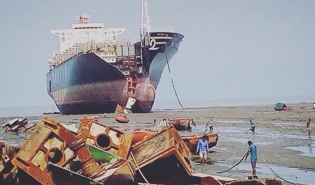 Two workers killed at Indian shipbreaking yards