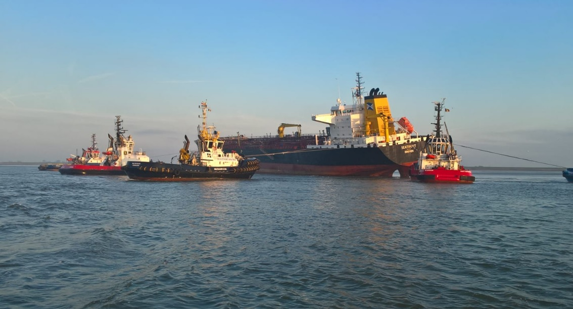 Tanker grounds after collision with bulk carrier off Antwerp