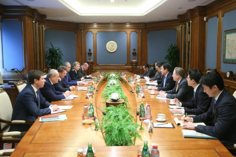 Gazprom, Mitsui discuss LNG cooperation