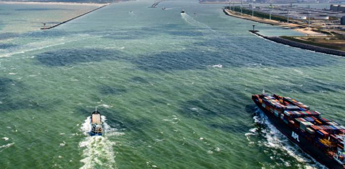 Port of Rotterdam's plan towards decarbonization