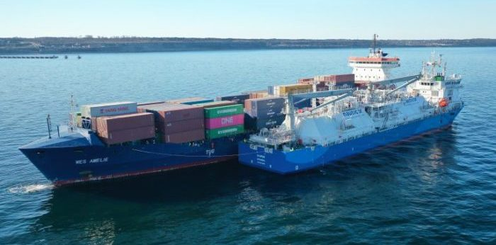 Wes Amelie receives LNG through its first STS operation