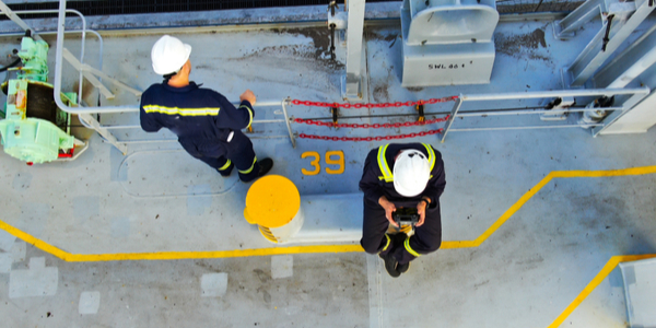 77% of shipping businesses used charter flights for crew changes, survey reveals